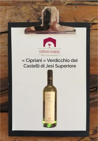tenuta-san-marcello-agriturismo-ristorante-campagna-marche-osteria-del-vignaiolo-lavagnetta-vino4