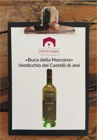 tenuta-san-marcello-agriturismo-ristorante-campagna-marche-osteria-del-vignaiolo-lavagnetta-vino5